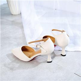 2019新款上市时尚百搭尖头一字扣包头真皮白色高跟鞋