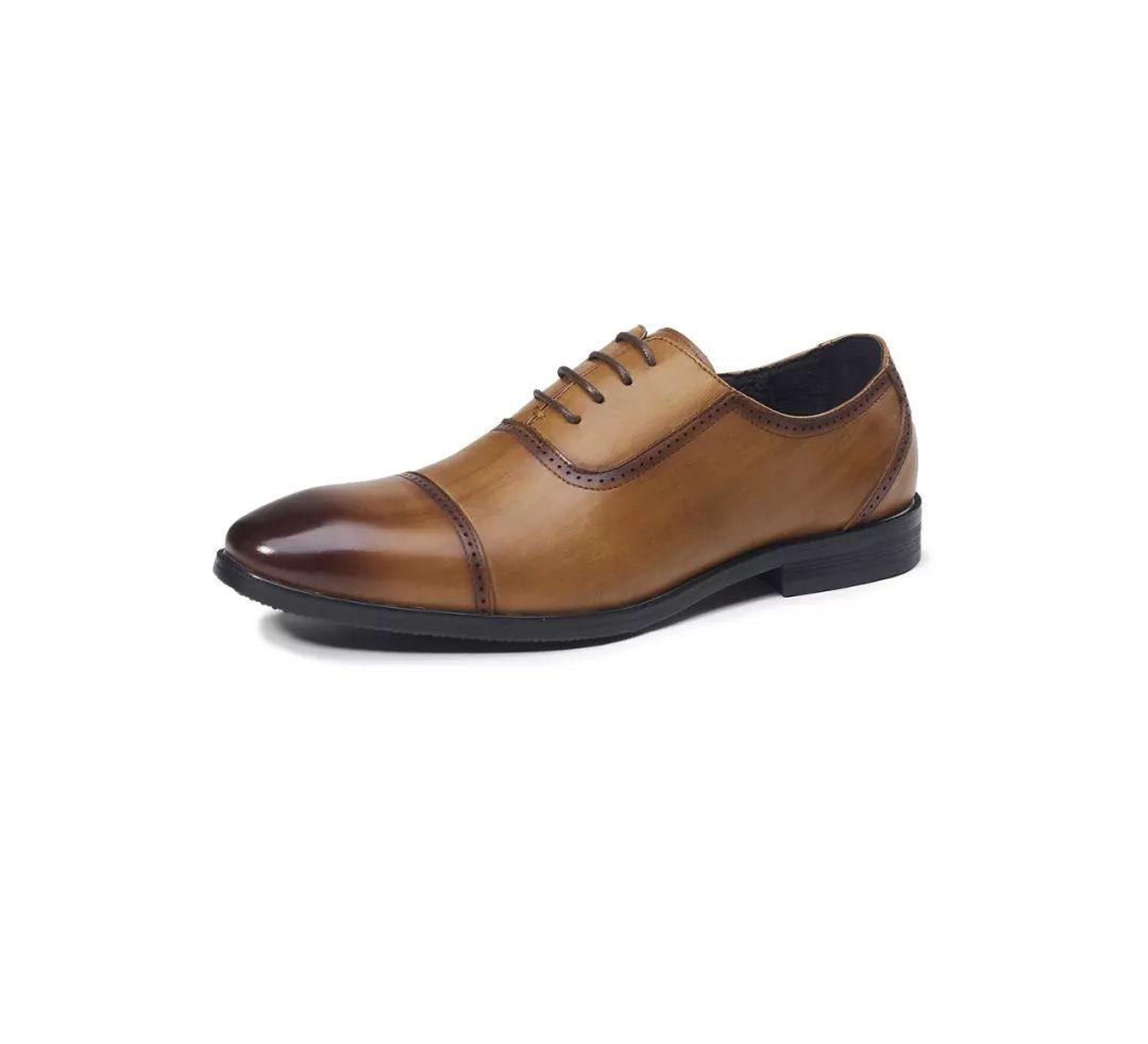 成功男士鞋柜里必备的一款男士休闲商务皮鞋!