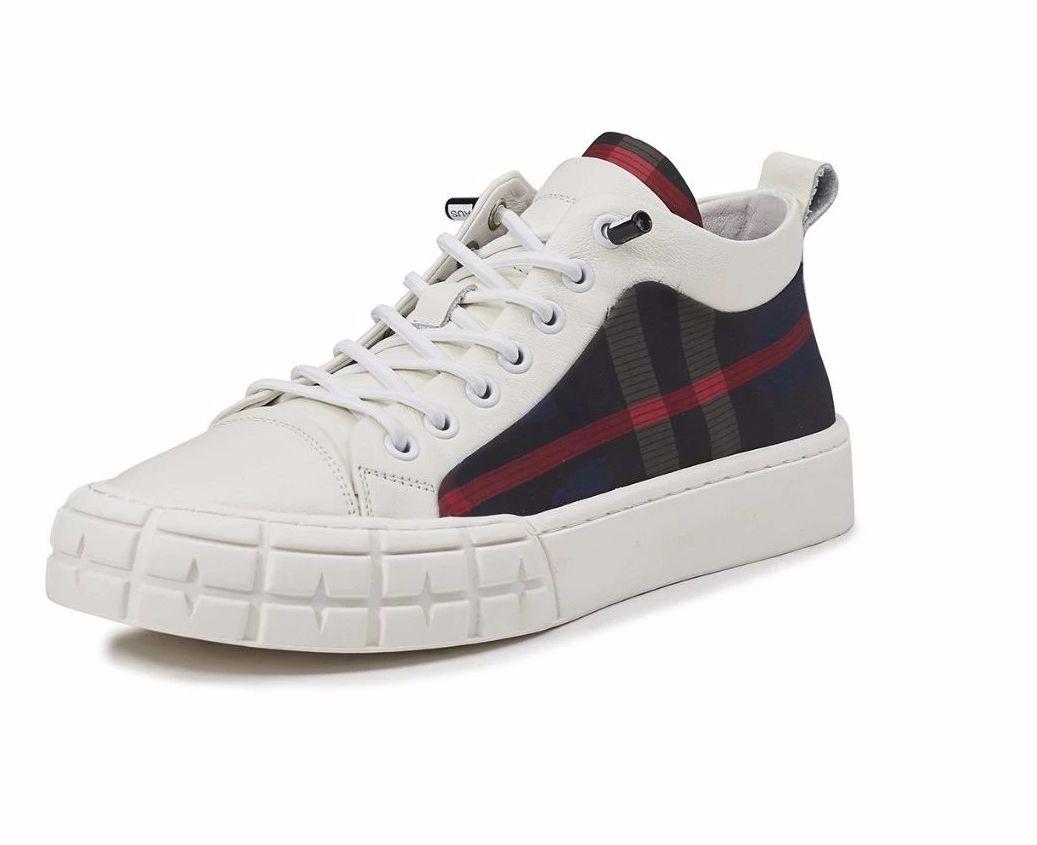 这款懒人百搭新款英伦风网红板鞋值得拥有