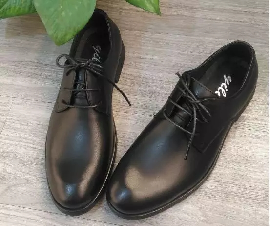一双黑色小皮鞋,居然能搭配整季秋冬衣橱!