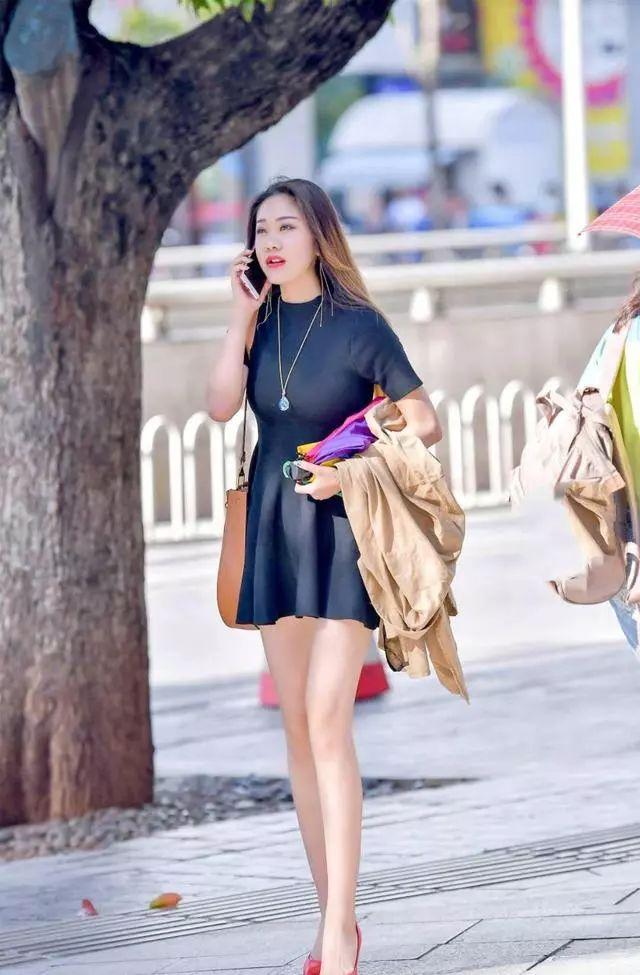 小黑裙搭配,穿出时尚穿出高级