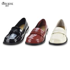 SE88661-1胎牛漆皮羊皮橡胶底平底密鞋