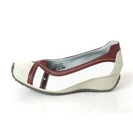 冲孔鞋子 008