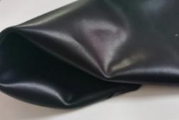 再生皮具有吸湿、透气性、柔软度高、有弹性,质地轻