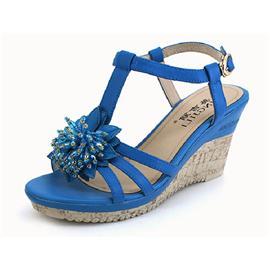英吉丽坡跟串珠装饰丁字式扣带凉鞋图片