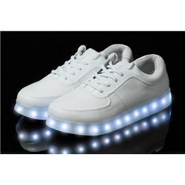 2014新款LED发光板鞋,USB充电灯光鞋,厂家热销卖断货啦