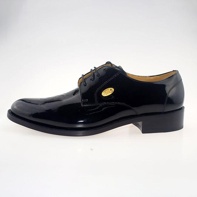 皮鞋怎么搭配衣服才更有型?男士皮鞋搭配讲究哪些原则呢?