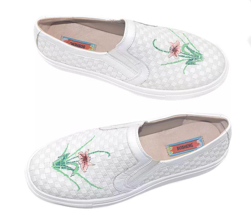 这简单几招清洗,让你小白鞋干净如新!