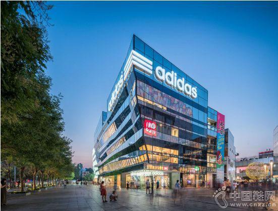 这些火遍全球的国际潮牌 中国首家旗舰店都开在三里屯