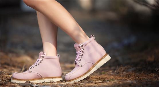 看鞋底,我就知道了你的走路姿势