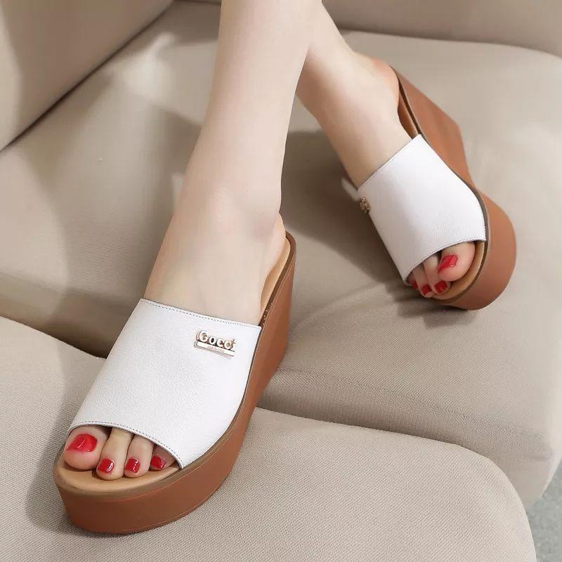 女人别总穿高跟鞋,不可错过的女凉拖鞋,舒服不累脚