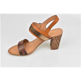 家新鞋业Carson 复古金属PU 擦色PU草蛇纹 鞋面金属饰扣 女式跟8-9cm中跟 凉鞋