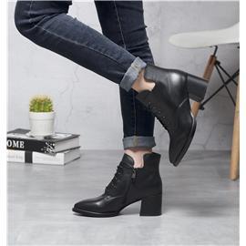 马丁靴女秋冬新款欧美真皮侧拉链尖头粗跟短靴女中筒系带防滑女靴