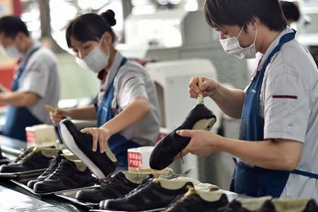 鞋企纷纷推出中国风潮鞋