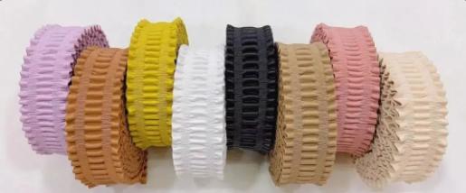 鸿亿织带 | 糖果色PU包花边弹力松紧带:采用专业的上色工艺,色泽靓丽,任意水洗浸泡不褪色!