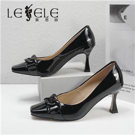 LESELE|莱思丽2021秋季复古风时尚方头单鞋LC90072
