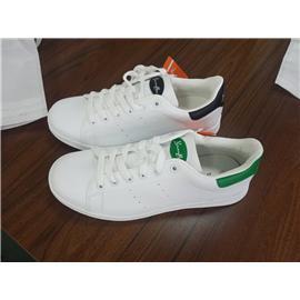 学生小白鞋图片
