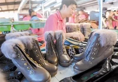 伟人——鞋业生产线的员工们,谢谢你们!