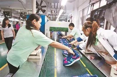 东莞鞋厂群像: 单价低于20美元的不接