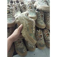 户外军靴登山鞋图片