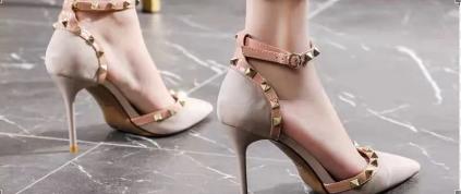 尖头细高跟鞋,气场全开,时尚感爆棚