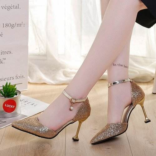 时尚尖头高跟鞋,穿出女人贵族的魅力