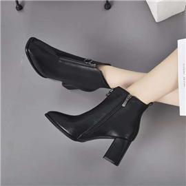 时尚百搭短靴图片