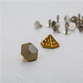 厂家直销凹点六角尖钉 形塑胶面铁底钉 箱包皮具配件  10mm