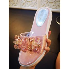 广州昕蕾鞋业新款式水晶玻璃饰品凉鞋