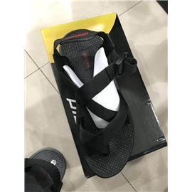 非洲出口原单沙滩凉鞋,40--44,清单明细如图,一件12双,单色配码装,支持验货