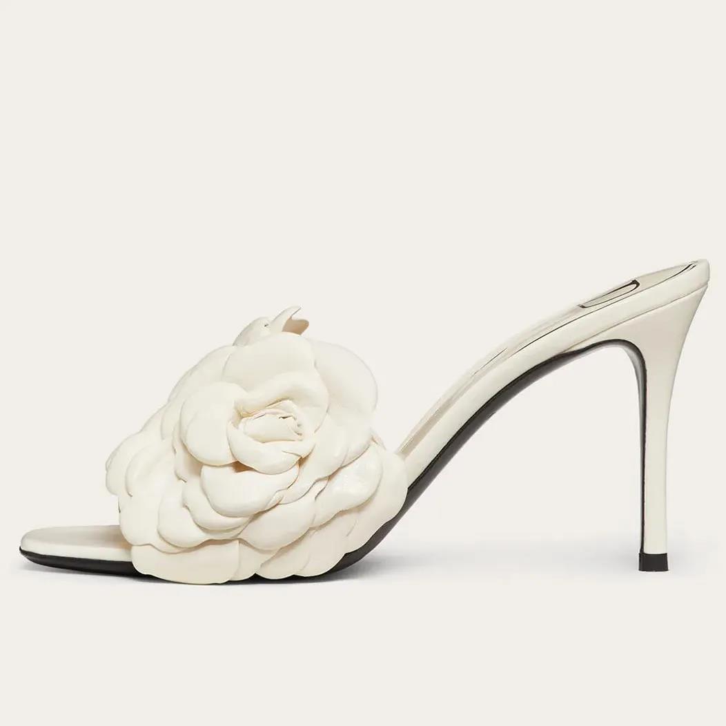 【湖南邵东健泰鞋业】品牌经典:Valentino 「荆棘与玫瑰」流行元素