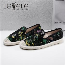 LESELE 莱思丽2021春季新款时尚焕彩亮片单鞋 LA7513