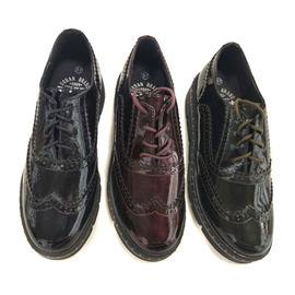 时尚休闲皮鞋 圆头新款女鞋